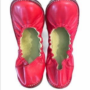 Vintage Etro Pegaso red leather ballet flats